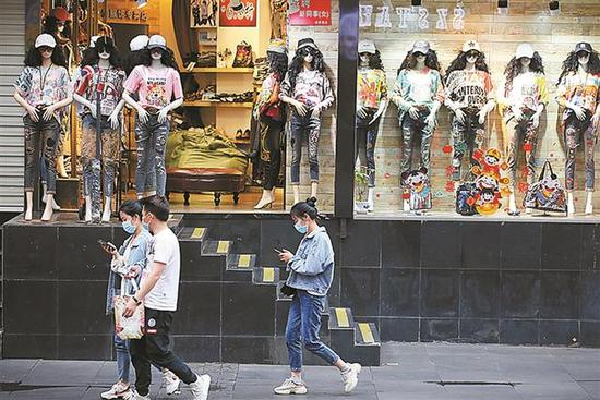 2020年5月,东门老街时尚潮人。