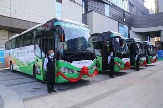 """深圳""""绿色公交""""再创新,首条氢能公交示范线开通"""