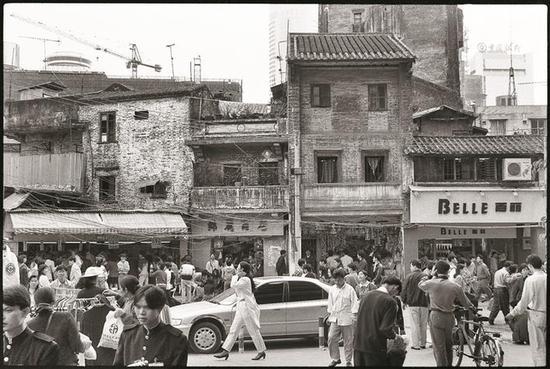 1994年,东门老街最早的时尚。