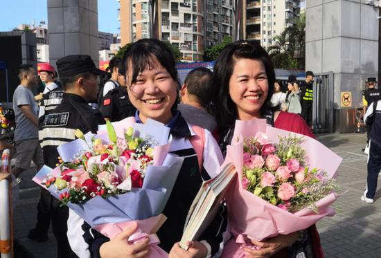 """高考结束 深圳考生暑假也不放松 提前为四级""""备考"""""""