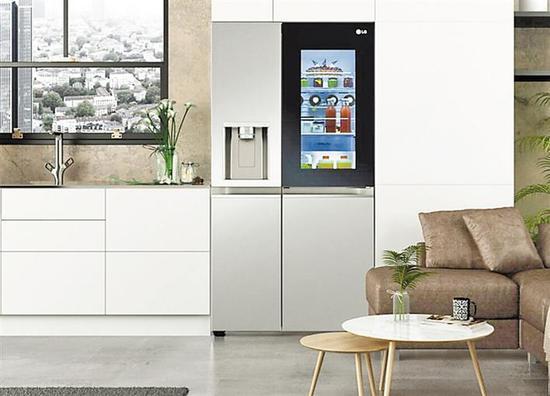 用语音命令就能让冰箱门自己打开。