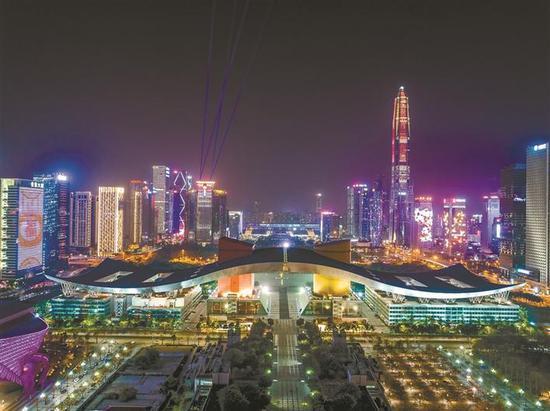 深圳夜景又将刷爆网络 流光溢彩美到哭