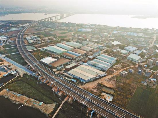 从莞深高速全线通车 从深圳到广州从化可省1小时