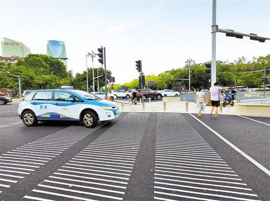 福田区设置的新型斑马线。