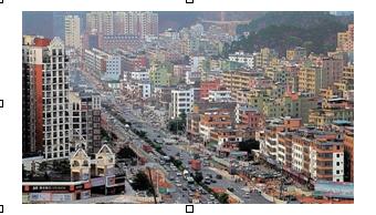 龙华新区学位房价格居高不下。图为龙华新区的楼盘。深圳商报记者林晓斌 摄