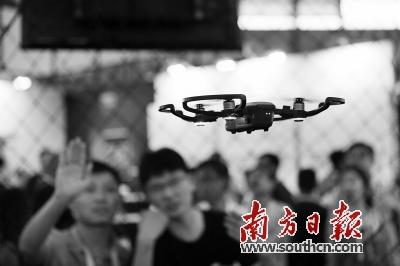 深圳被誉为无人机之都,无人机产业发达,对无人机立法管理也势在必行。 南方日报记者 鲁力 摄