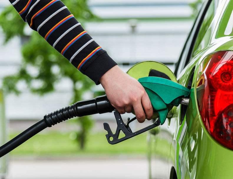 """智慧经济挺进""""两桶油"""":电商巨头抢滩智能加油生态圈"""