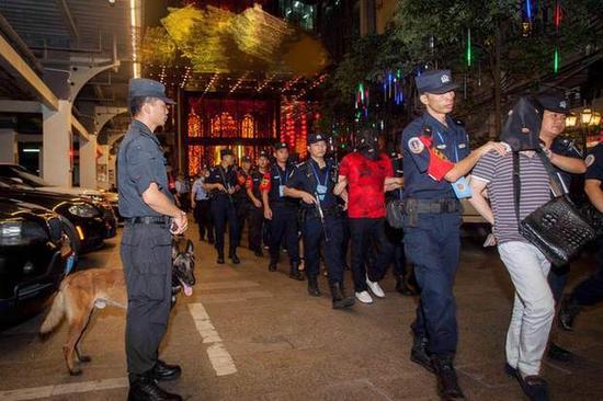 深圳警方收网行动。