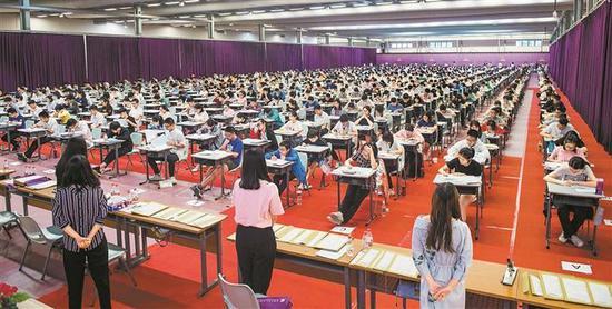 香港中文大学(深圳)广东省631综合测评考试笔试现场。 深圳特区报记者 刘羽洁 摄