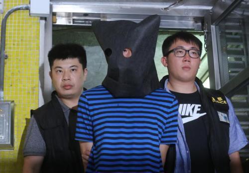 涉嫌3起九龙巴士插针案的男子被捕。图片来源:香港《大公报》 黄洋港/摄