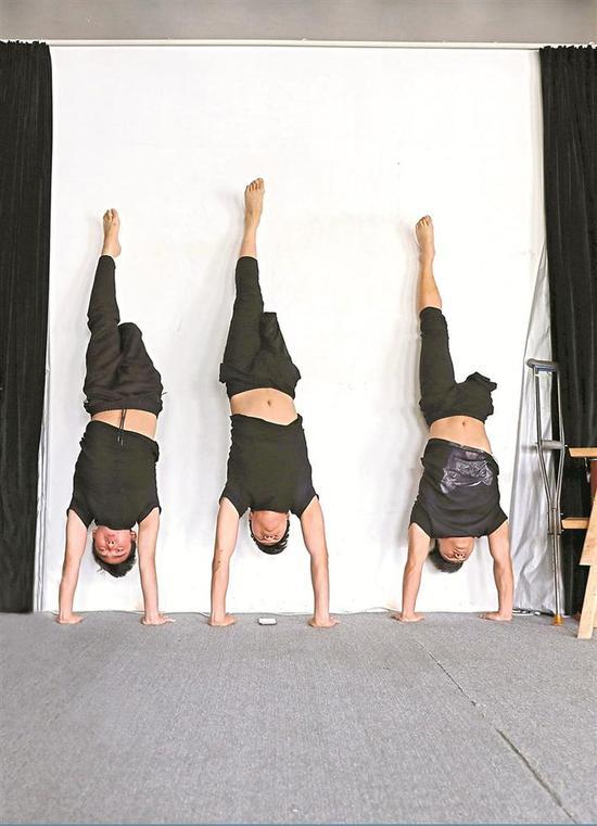 2 轮椅舞对力量要求较高,日常训练十分艰苦。