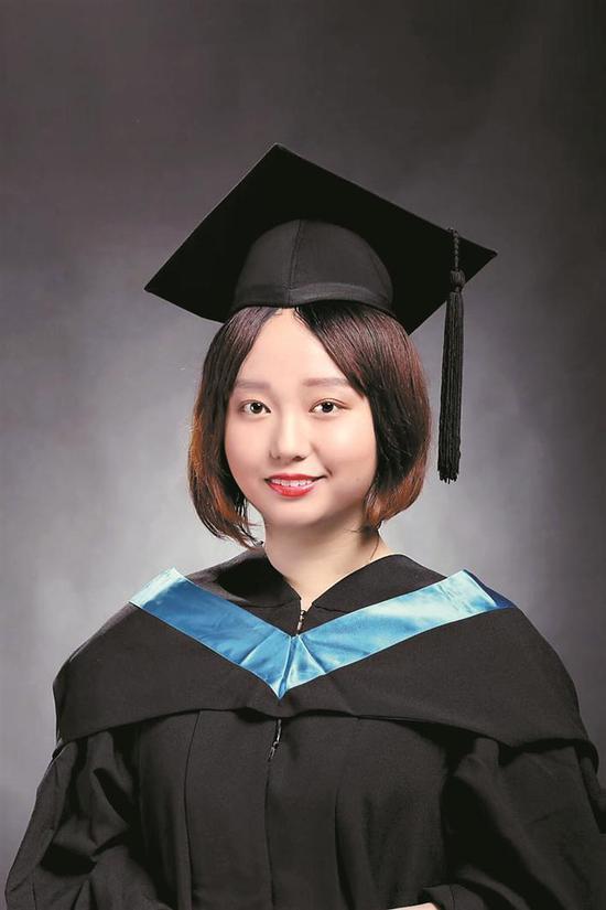 ▲李芷璇毕业照。