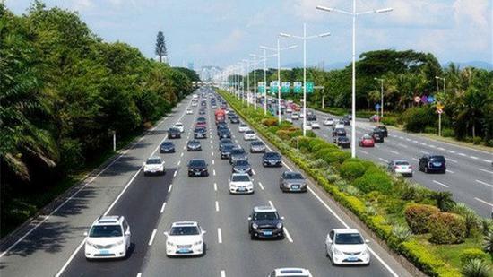 """市人大代表建议适当增设电动自行车道 让""""骑手""""有路可走"""