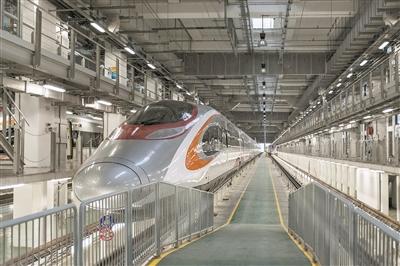 """广深高铁香港段列车被命名为""""动感号""""。(@视觉中国)"""