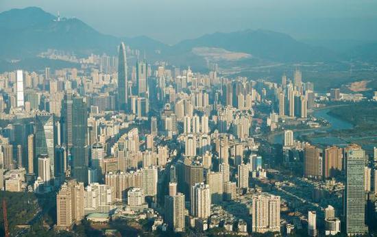 2019年深圳计划建设筹集人才住房和保障性住房8万套、供应3.4万套。 视觉中国 图