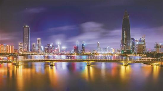 我市灯光夜景项目全面提升。 深圳特区报记者 李忠 摄