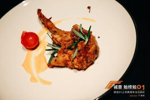 粗致鲜味的西式自助餐,令每一位来宾大快朵颐