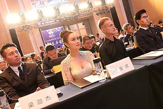 AKSC品牌创始人蔡安琪出席2019环球夫人深圳赛区发布会