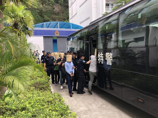 """福田警方打掉2个""""套路贷""""团伙 刑事拘留19名嫌疑人"""