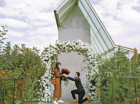 深圳最美婚姻登记处昨天迎来200多对新人