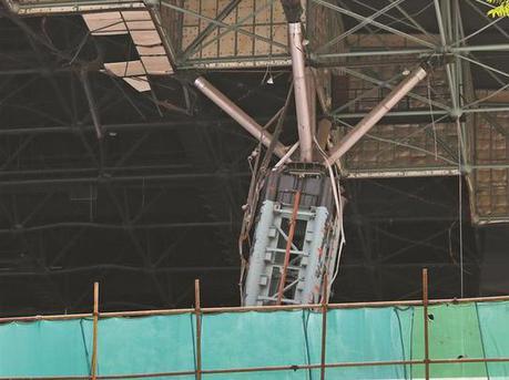 深圳体育中心发生坍塌:系80年代建筑正全面改造