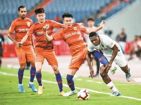 新援刘奕鸣首发塞尔纳斯送乌龙球 深足0比3负鲁能急需调整