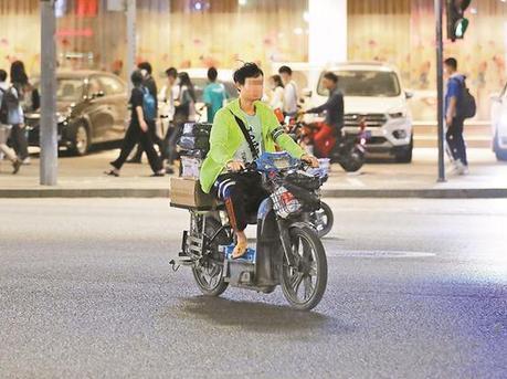 电动自行车乱象引发广泛关注