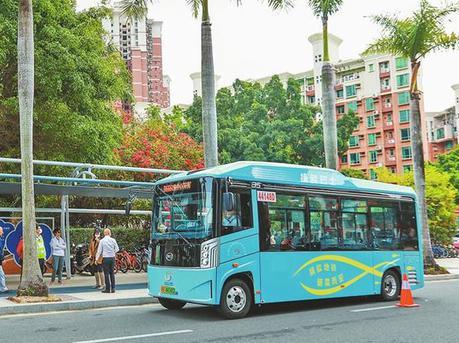 深圳首批试点接驳巴士运营