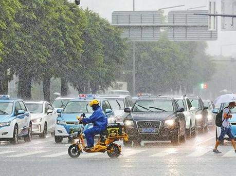 深圳经历今年以来最强降雨