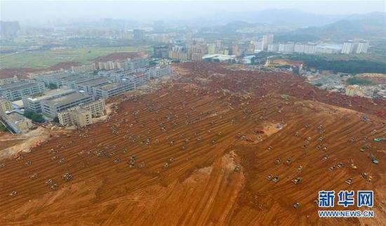 深圳滑坡事故救援仍在进行 土方标高明显下降