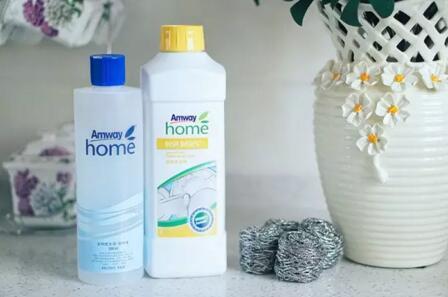 一个老品牌,回忆里姑姑一直在用,我只记得她说作为女人不能亏待自己,依稀记得这句话的时候是她正在用安利的洗衣液。