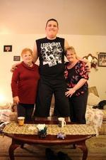 19岁男孩身高2.3米还在长