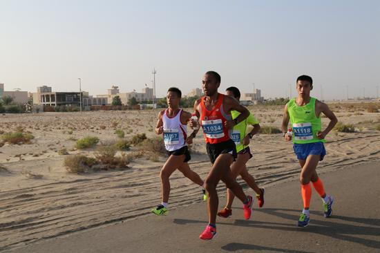 恭喜🎊斯国松大神荣获迪拜全球华人马拉松第三名