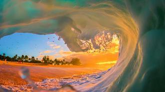 摄影师拍夏威夷五彩海浪 变身海上调色板