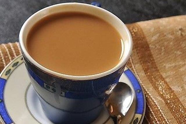首份香港非遗代表作名录公布 港式奶茶制作技艺在列