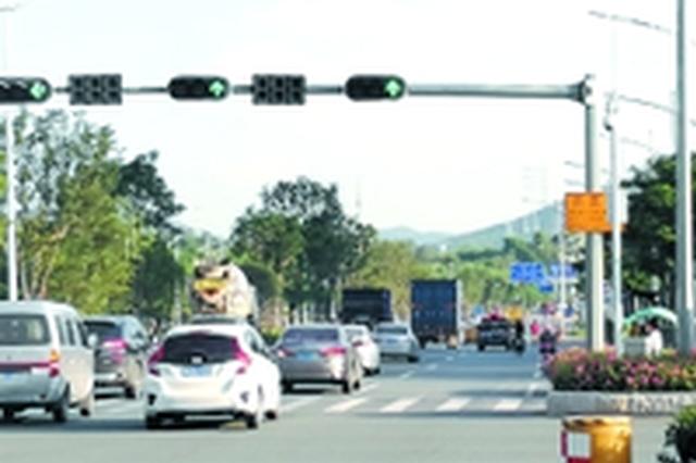 深圳最长双向绿波带亮相光明 可节省超过40%的时间