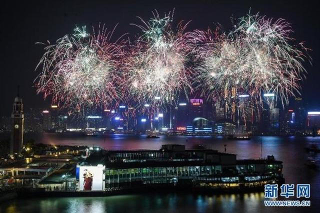 香港3万多枚烟花将照亮维港贺国庆 预计28万人观赏