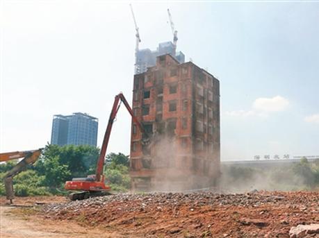 深圳北站商务中心区最后一栋烂尾楼开拆