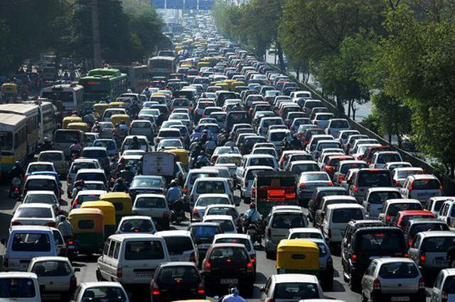 市交警局预测:5月1日回深车流拥堵将持续到22时