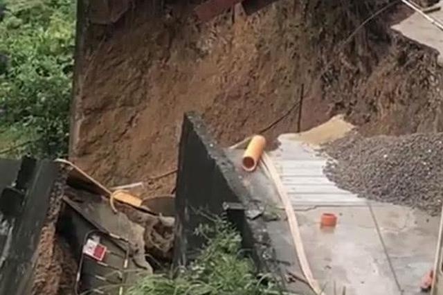 龙岗一居民楼后侧挡墙发生垮塌 未有人员伤亡