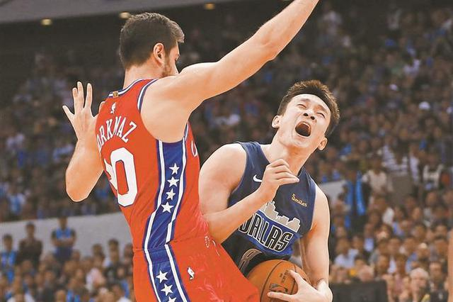 NBA中国赛深圳站 丁彦雨航火爆登场