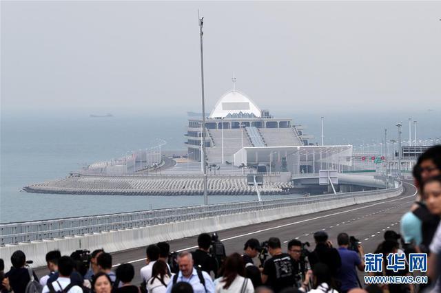 定了 港珠澳大桥24日上午9时正式通车
