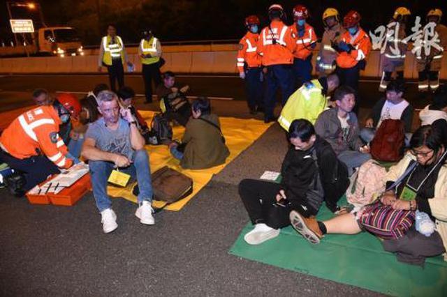 今晨香港发生车祸致5人死亡30多人受伤
