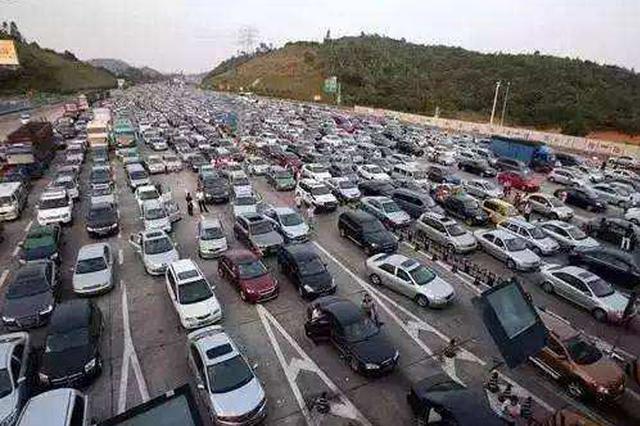 ?#33322;?#28145;圳高速公路路线指引发布 2月3?#25112;?#29616;出深车流高峰