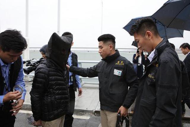 50岁香港男子尖沙咀抢劫 被深圳警方抓获并移交香港警方