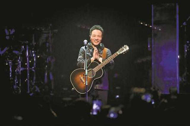 时隔六年发新专《无尽光芒》 51岁许巍:这一次从深圳出发
