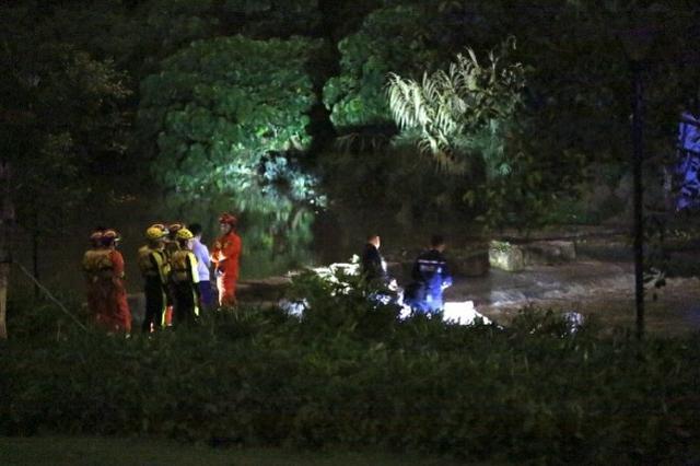 深圳暴雨引发洪水多人被冲走 2人遇难9人失联
