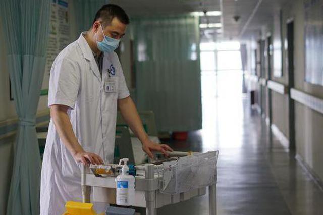 深圳已有男护士1800余名 各大科室抢着要