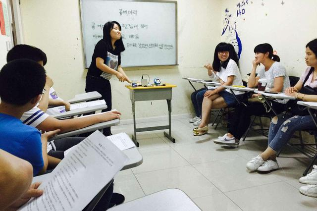"""深圳拟设""""职业准入制"""" 有案底不得从事未成年人教育工作"""
