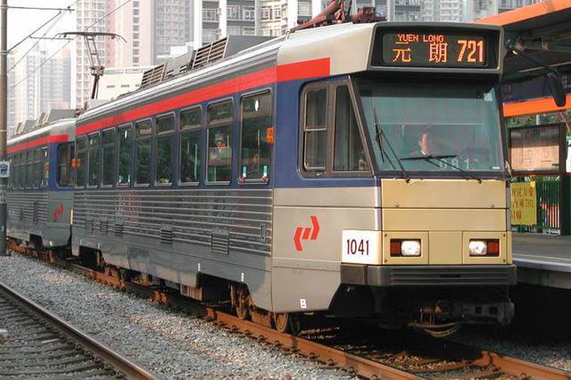 香港两列轻铁元朗站相撞5名乘客不适 3人需送医